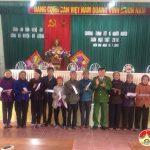 Công an huyện Đô Lương: Tặng 20 suất quà Tết cho các hộ nghèo tại xã Hiến Sơn