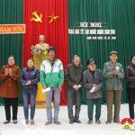 Xã Nam Sơn trao 75 suất quà cho người nghèo đón tết