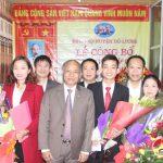 Huyện ủy Đô Lương trao quyết định thành lập Chi bộ Đảng Công ty cổ phần Taxi Lạc Hồng.