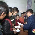 Lãnh đạo huyện thăm tặng quà các bệnh nhân đang điều trị tại bệnh viện Đa Khoa Đô Lương