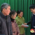 Ngân hàng Cổ phần Thương mại Đầu tư và phát triển Nghệ An tặng 300 suất quà tết cho hộ nghèo tại huyện Đô Lương và Anh Sơn.