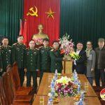 Lãnh đạo huyện thăm chúc mừng tiểu Đoàn Quân y, Sư đoàn 324