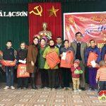 Công ty TNHH BH tặng quà người nghèo và học sinh khó khăn tại xã Lạc Sơn