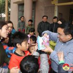 Đồng chí Ngọc Kim Nam chúc tết các đơn vị công tác xã hội trên địa bàn.