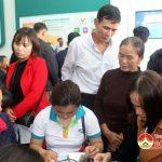 Đô Lương: 700 người đến đăng ký thuê bao Viettel