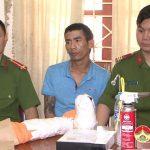 Công An Đô Lương bắt quả tang vụ tàng trữ ma túy đá.