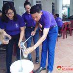 Dùng tiền thưởng Thanh niên tiêu biểu, tặng 100 bát cháo cho bệnh nhân nghèo