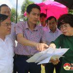 Bà Thái Hương, Tổng giám đốc BacA bank khảo sát xây dựng trang trại trồng dược liệu và cây ăn quả