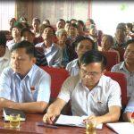 Đồng chí Ngọc Kim Nam và các đại biểu HĐND huyện tiếp xúc cử tri xóm 3 xã Xuân Sơn.
