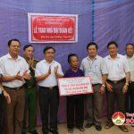 Huyện Đô Lương bàn giao hai nhà Đại đoàn kết