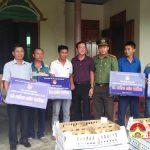 Đoàn thanh niên Bộ công an trao hơn 1.300 con gà giống cho các thanh niên tại xã Mỹ Sơn