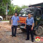 Trung ương hội nông dân thăm mô hình cải tạo vườn tạp và góp gạch xây trường tại Đô Lương