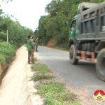 Quốc lộ 46 C đoạn qua xã Nam Sơn, Đô Lương: Làm bờ kè không có rào chắn gây nguy hiểm cho người đi đường