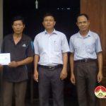 UBMTTQ  xã Thuận Sơn trao bò cho hộ nghèo