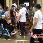 Đô Lương: Trao tặng 21 xe lăn cho người khuyết tật