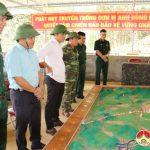 Đồng chí Trần Đình Hùng UVBTV tỉnh ủy- Đại tá, chỉ huy trưởng Bộ chỉ huy quân sự tỉnh kiểm tra công tác chuẩn bị diễn tập khu vực phòng thủ huyện năm 2018