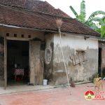 Mong ước của người phụ nữ nghèo,  tàn tật có ngôi nhà để làm nơi thờ cúng cha mẹ.