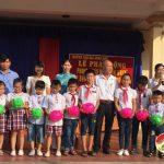 Trường tiểu học Đông Sơn phát động phong trào nuôi lợn nhựa giúp bạn có hoàn cảnh khó khăn