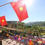 Đồng chí Nguyễn Văn Huy – Chủ tịch UBMTTQ tỉnh dự lễ khai giảng tại trường tiểu học xã Đông Sơn