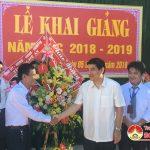 Đồng chí Nguyễn Đắc Vinh- Uỷ viên TW Đảng- Bí thư Tỉnh ủy dự lễ khai giảng năm học mới tại trường THPT Đô Lương 3