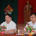 Ban chỉ đạo xây dựng nông thôn mới huyện thẩm định kết quả xây dựng nông thôn mới xã Đông Sơn.