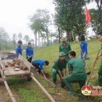 Đoàn viên thanh niên Sư đoàn 324- Trường THPT Đô Lương 4 ra quân dọn vệ sinh khu di tích Truông Bồn.