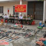 Công an huyện Đô Lương tiêu hủy vũ khí, công cụ hỗ trợ thu hồi trong nhân dân