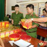 Công an Đô Lương bắt quả tang đối tượng tàng trữ trái phép pháo nổ
