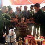 Mỗi ngày có trên 1000 người đến thắp hương tại Truông Bồn