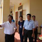 Đồng chí Ngọc Kim Nam Bí thư huyện ủy làm việc với lãnh đạo xã Giang Sơn Đông và xã Giang Sơn Tây