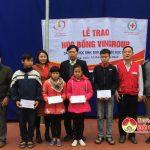 Hội chữ thập đỏ huyện Đô Lương: Trao học bổng của quỹ Thiện Tâm  tập đoànVingroup cho học sinh nghèo vượt khó học giỏi.