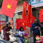 Người dân Đô Lương tích cực chuẩn bị cổ vũ cho trận chung kết bóng đá AFF Cup Suzuki