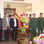 Lãnh đạo huyện Đô Lương: Thăm tặng quà các đơn vị Quân đội