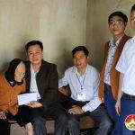 Trường Trung cấp Kinh tế – Kỹ thuật Tây Nam Nghệ An trao quà tết cho mẹ Việt Nam anh hùng và hộ nghèo