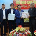 Ban đoàn kết công giáo huyện chúc mừng Huyện ủy nhân ngày thành lập Đảng và tết cổ truyền