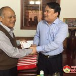 Đồng chí Phùng Thành Vinh  trao quà tết cho nguyên cán bộ Tỉnh, huyện qua các thời kỳ, gia đình người có công có hoàn cảnh khó khăn.