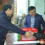 Đồng chí Ngọc Kim Nam – Bí thư huyện ủy thăm, tặng quà chúc tết các lão thành cách mạng