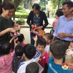 Tặng quà tết cho các cháu mồ côi tại Trung tâm công tác xã hội Nghệ An