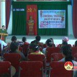 Công an Huyện Đô Lương và trường THPT Đô Lương 1 trao quà tết cho các gia đình có hoàn cảnh khó khăn tại xã Trù Sơn.