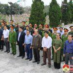 Lãnh đạo huyện dâng hương, dâng hoa tưởng niệm tại nghĩa trang liệt sỹ huyện Đô Lương