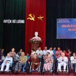 Hội người bảo trợ người khuyết tật tỉnh Nghệ An: Trao 35 xe lăn cho người khuyết tật Đô Lương