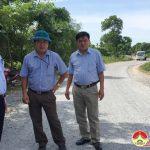 Đồng chí Phùng Thành Vinh, PBT- Chủ tịch UBND huyện kiểm tra công tác phòng chống dịch tả lợn châu Phi