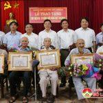 Huyện ủy Đô Lương tổ chức lễ trao huy hiệu Đảng cho các Đảng viên