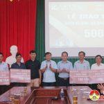 Công ty Cổ phần xi măng Vicem Bỉm Sơn trao tặng 500 tấn xi măng cho huyện Đô Lương