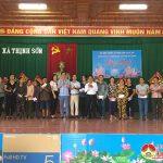 Công ty Hacovina: Trao nhiều suất quà giá trị cho người nghèo và đơn vị trường học ở xã Thịnh Sơn