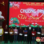 Đô Lương trao 2.300 suât quà tết cho người nghèo