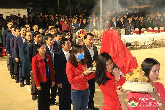 3.-CAC-DAI-BIEU-DANG-LE-VAT-VAO-chinh-dien