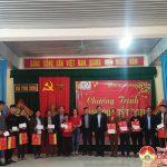 Đoàn đại biểu Quốc hội tặng 246 suất quà tết cho người nghèo ở Đô Lương