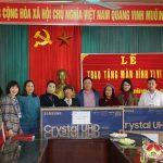 Công ty Thuận An Group trao tặng 5 màn hình cỡ lớn cho các trường học ở Xuân Sơn.