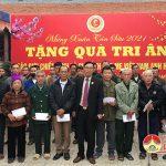 CCB Trần Ánh Dương trao tặng 211 suất quà tết cho thân nhân gia đình mẹ Việt Nam anh hùng và hội viên khó khăn.